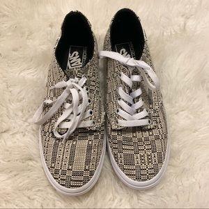 Van's Women's Size 8 Knit UltraCush Sneakers